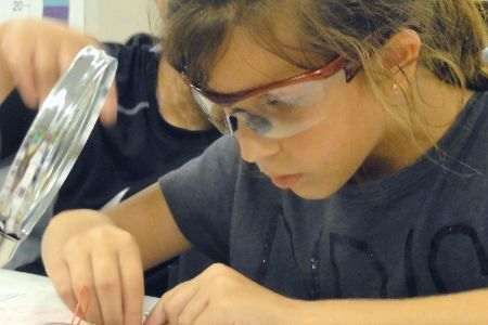 <strong>Electronnics Lab</strong> makes hands-on science fun